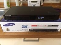 Samsung BD-H6500 Blu-ray Player with Smart and 3D