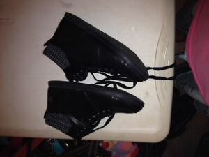 im selling these because either they dont fit or too high for me London Ontario image 6