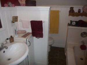 $850 All inclusive, Available Right Away. Cambridge Kitchener Area image 3