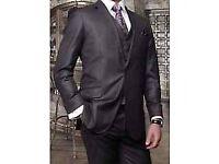 Like New - High quality men 2pcs suit in charcoal - light sheen - 38 short - for the shorter man