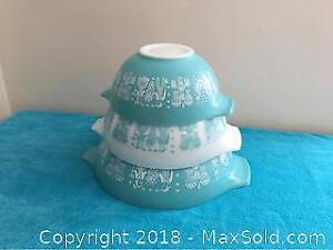 Turquoise Pyrex Amish Butter Print Mixing Bowls