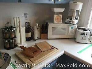 Small Kitchen Appliances and Decor A