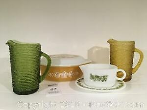 Vintage Pitchers and Pyrex - Pickup A