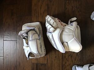 Hockey Catcher/Blocker Intermediate Small great shape White