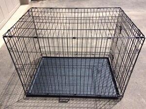 LARGE DOG CRATE GENTLY/HARDLY USED