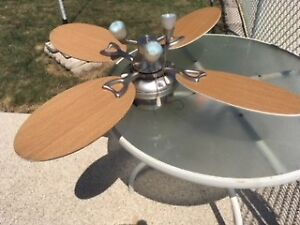 LIGHT FIXTURE WITH FAN FOR CEILING, 2 SPEEDS, LIGHT BROWN BLADES
