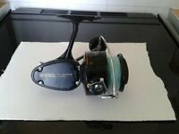 Mitchell 486 heavy duty saltwater vintage sea fishing reel Ball and Roller bearings made in France.