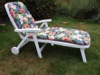 Flair Sun lounger full length/sitting on wheels with padded seat cushion