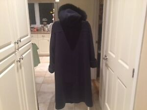 London Fog Full Length Winter Coat with Faux Fur Collar West Island Greater Montréal image 2