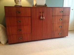 WOOD DRESSER/CABINET IN MAHOGANY FOR SALE