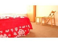 EXTRA LARGE EN SUITE 2 ROOM JOINT LOOKING 1 BED ROOM VERY NICE = PERSONAL@ TOILET & SHOWER