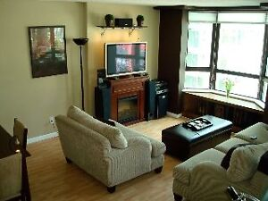 3 BR+Den,2 ba Reno'd Condo in Downtown Coal Harbour INCL UTIL