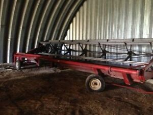 IH 75  24Ft pull type swather