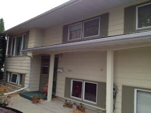 Exceptional 2-Bedroom Suite!  Great Location- Near Mall/Bus/Univ