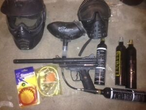 Black Maxx paint ball gun.  Extreme Rage mask plus accessories.