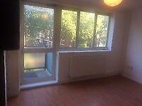 Three Bedroom Property - Stepney Way - Please call 07572 528 106