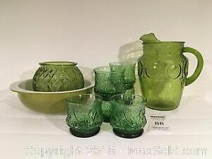 Vintage Green Glassware and Pyrex - Pickup A
