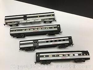 lot of 4 vintage Triang CN Train cars HO scale