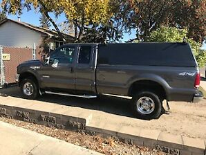 IMMACULATE 2003 FORD LARIAT 350 DIESEL 4 x 4 SUPERCAB