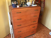 Dresser real wood 2 free night tables