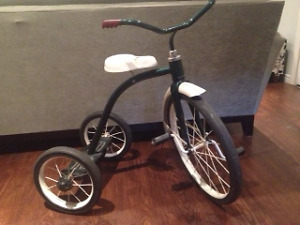 VINTAGE CHILDREN'S TRICYCLE