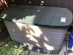 Rubbermaid Outdoor Utility Box