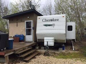 Cherokee 31Z+ with Cabana, large deck and more