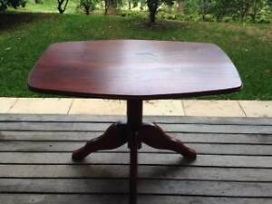 Solid red wood coffee/occasional table Kurrajong Hawkesbury Area Preview