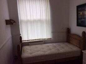 single room available now - Liverpool 6 - Kensington- close to centre- view now!