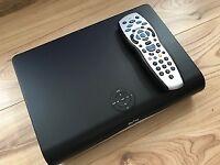 SKY PLUS + HD BOX 500GB AMSTRAD DRX890 SLIMLINE BOX AND REMOTE CONTROL £25 USED GOOD WORKING