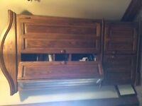 Solid Oak Corner TV Unit (90/38)