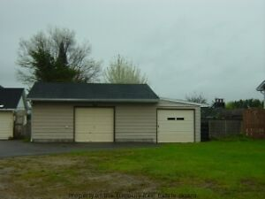 BUILDING LOT WITH GARAGE LOCATED IN CENTRAL ESPANOLA