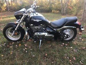 MINT CONDITION 2010 SUZUKI M50 BOULEVARD LOW LOW KMS