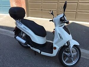 Kymco People S200 - Like New $1000 OBO