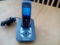 PHILLIPS CORDLESS PHONE AND ANSWER MACHINE