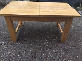 Extendable chunky kitchen table