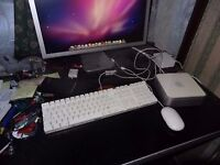 Apple Mac Mini core Duo 2 ghz , 1 gb ram and 120 hd with genuine apple keyboard and mouse