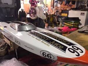 2-stroke remote controlled boat Mannum Mid Murray Preview