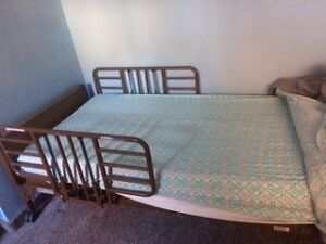 hospital electric bed with side rails Windsor Region Ontario image 1