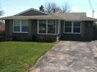 Perfectly located 3 bed in Barrie – utilities included