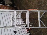 ALI FOLDING STEP LADDER 3 STEPS FOLDS UP TO 3 inch TO 4 inch £40 ovno