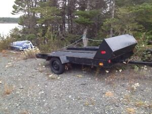 Tilting ski doo trailer