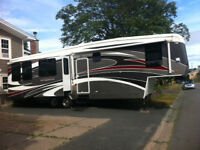 2009 Carriage Cameo F37RE3 fifth Wheel Trailer