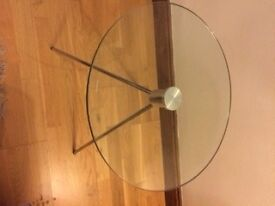 Round glass coffee/ side table