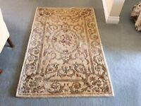 Oriental hand tufted rug 5' x 3'