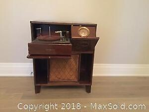 GE Antique Record Player Console
