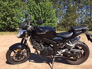 Motorbike Hyosung 250, almost new, low mileage, girl driven