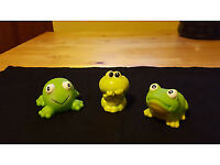 Set of 3 happy frogs. Only 60p