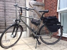 Male bike in an excellent condition + bike bags+ bike child seat