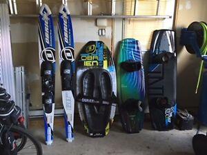 Wakeboard / Kneeboard / Ski / Ceinture / Wetsuit / Tube